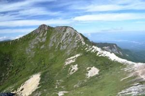 根石岳から見た東天狗