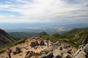根石岳山頂から見た諏訪湖