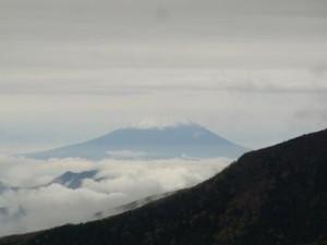 にゅう山頂からの富士山