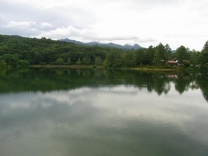 蓼科湖から望む八ヶ岳