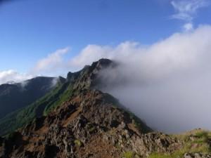 赤岳展望荘からの横岳