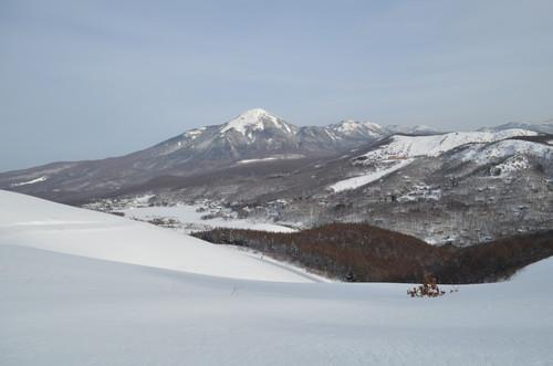 車山高原スキー場リフト乗り場近くの分岐付近