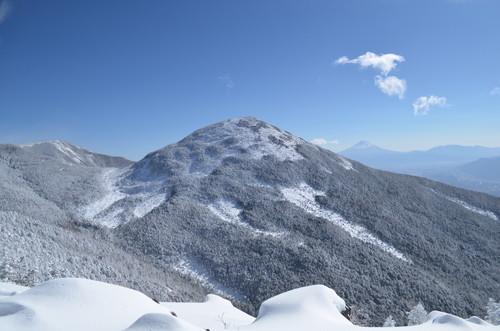 八ヶ岳西岳山頂から見た編笠山