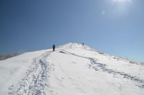 飯盛山山頂直下