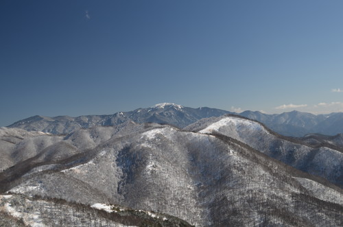 飯盛山山頂から金峰山・瑞牆山