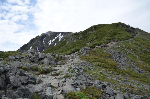 北岳へと続く稜線