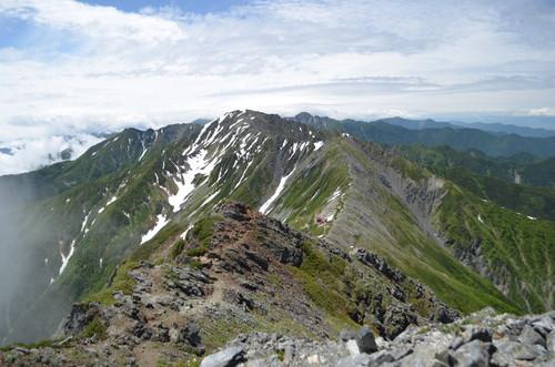 間ノ岳へと続く稜線