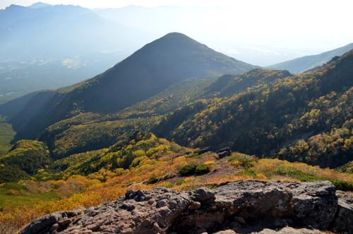 権現岳山頂直下の紅葉