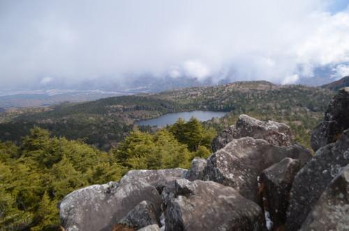 高見石から見る白駒池