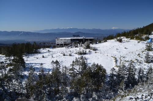 北八ヶ岳ロープウェイ山頂駅付近
