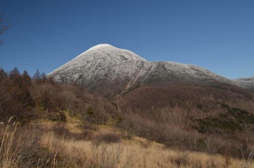 八子ヶ峰稜線から見る蓼科山