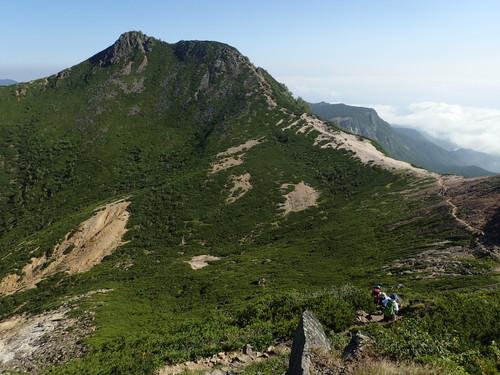 根石岳から見る東天狗