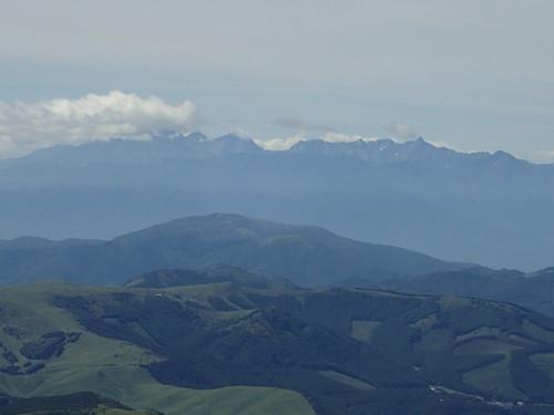 茶臼山展望台から見る槍ヶ岳、穂高
