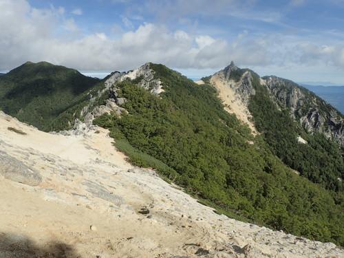 地蔵岳へと続く稜線