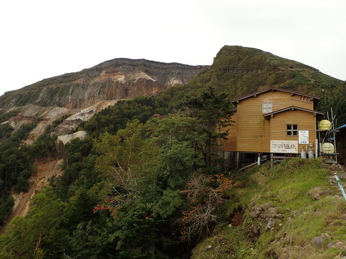 夏沢峠から見る硫黄岳