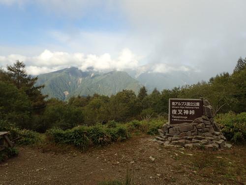 夜叉神峠から見る白峰三山