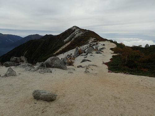 観音岳へと続く稜線