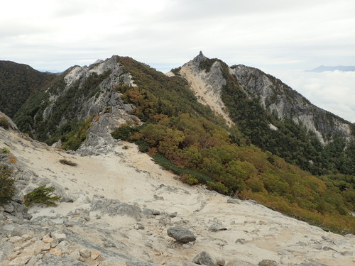 地蔵岳へ向かう稜線