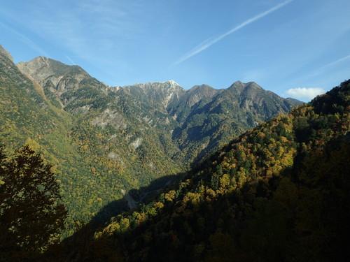 南アルプス林道バスから見る甲斐駒ヶ岳