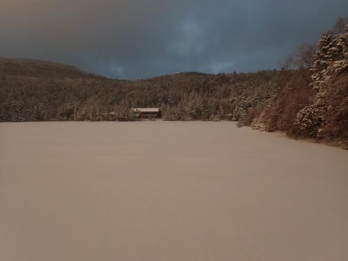 雪の白駒池